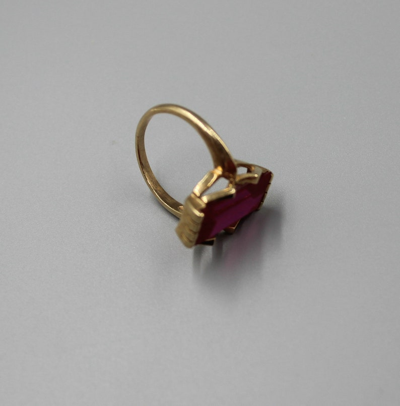 10K Gold Art Deco Ring with Pink Stone Estate Jewelry from Charmhuntress X193