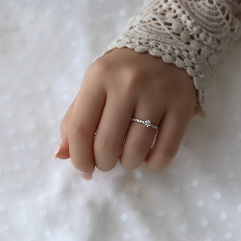wedding ring gift for her propose ring Petit six prong solitaire ring small diamond ring classic solitaire ring engagement ring