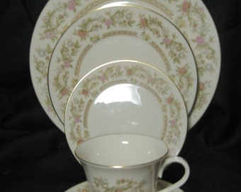 BeigeDusty RoseGreenBrowns LENOX Fine China Helmsley Charger Plate,Elegant Vintage  11 Plate Floral Pattern Made in USA Gold Trim