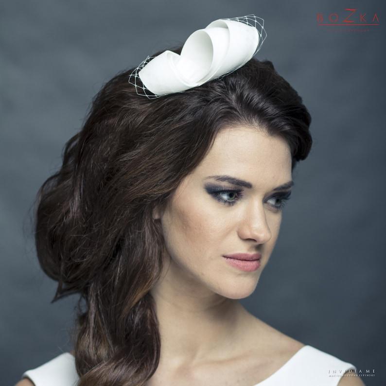 wedding fascinator,wedding bow Silk modern bridal fascinator with veiling small wedding headpiece with netting bridal comb