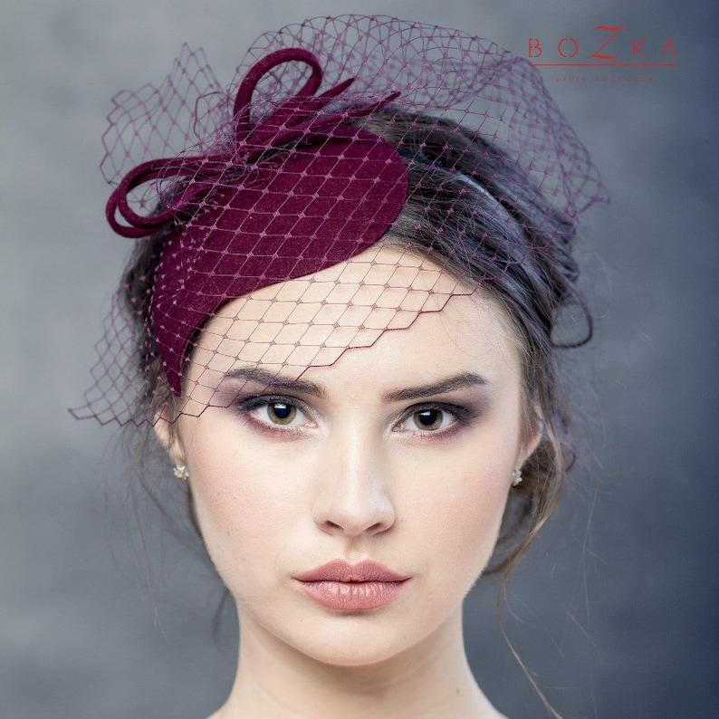 Burgundy wool felt fascinator with bow and netting bordo  f2468309aa3
