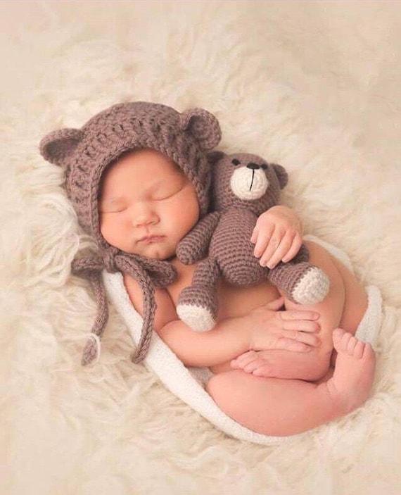 Oso crochet y oso Capo conjunto. Amigurumi. Llevar sombrero.  219554db8ab