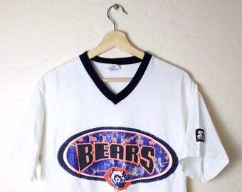 496a27a1e94 1996 90s Vintage Chicago Bears T-Shirt Vintage STARTER T-Shirt 90s Chicago  Bears NFL Football V-Neck T-Shirt White Size M
