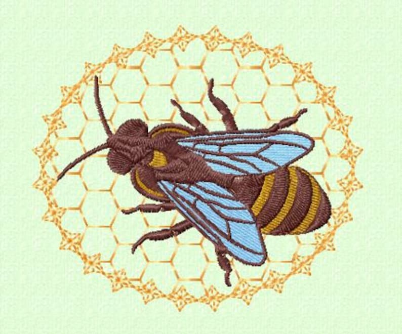 Embroidery pattern  honey bee image 0