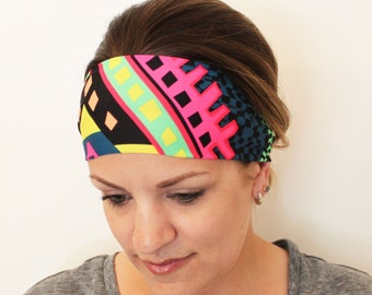 Yoga Headband. Featherweight Non Slip Head Wrap. The ultimate in workout headband comfort || Black and White