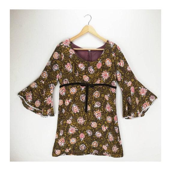 Vintage 60s Psychedelic Mini Dress // 70s Floral D
