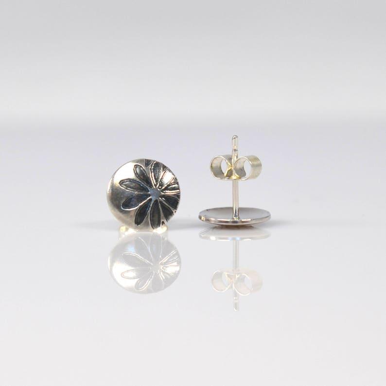 Disc Studs Floral Studs Minimal Jewellery Minimal Earrings Sterling Silver Studs Flowers Flower Earrings Circle Earrings