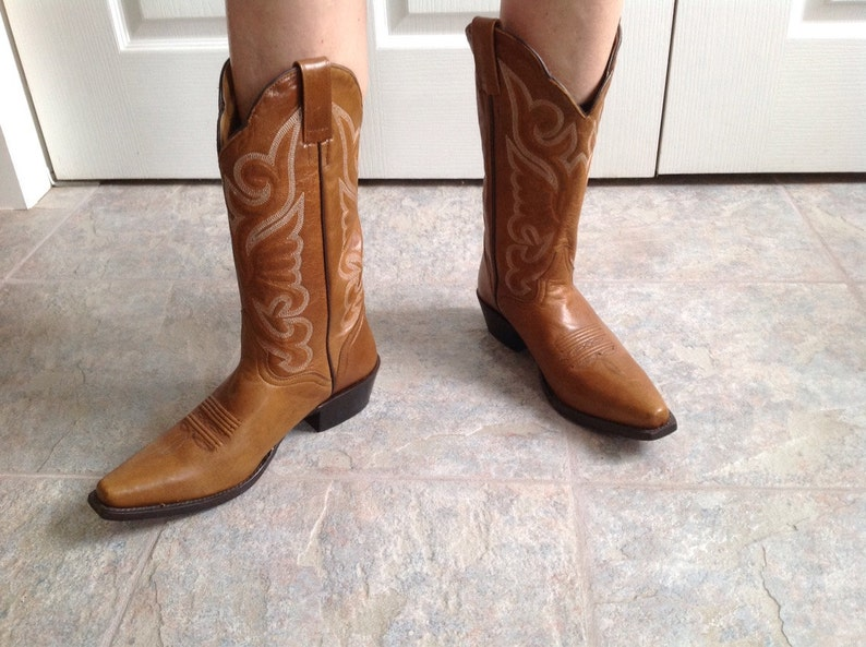 94901489df8 Cowboy boots size 8 size 39 women's vintage brown leather cowboy boots  cowgirl boots J.B. Dillon The very best in boot. Free Shipping