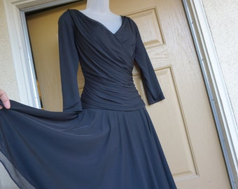 Tadashi 80s ruched chiffon sheer sequined black dress with shoulder pads size 12 L Large