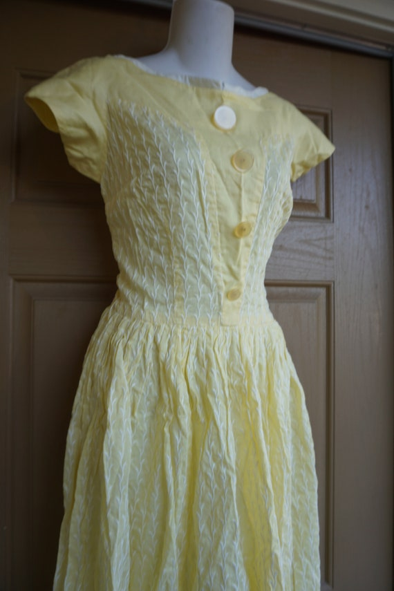 Vintage 1950s yellow day dress size Medium tall m… - image 4