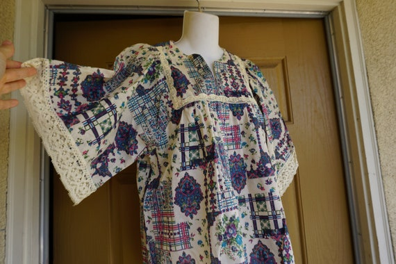 Vintage 70s top floral // small medium large 1970s
