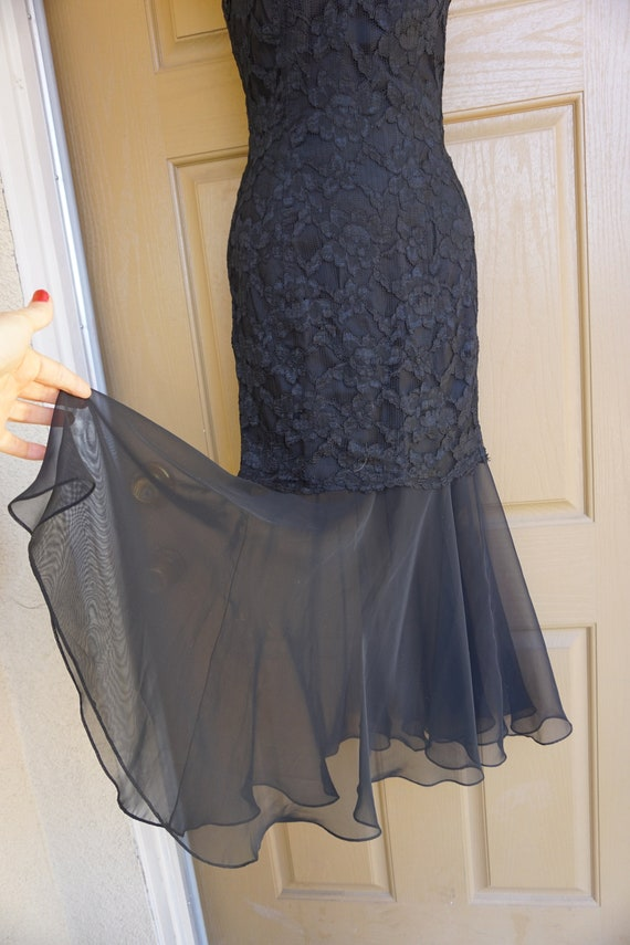 1990s vintage maxi mermaid black lace dress size … - image 3