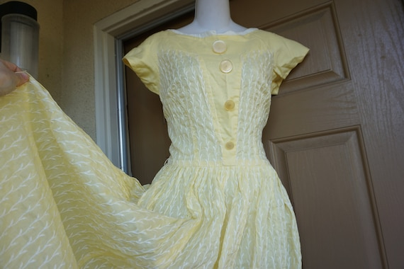 Vintage 1950s yellow day dress size Medium tall m… - image 1