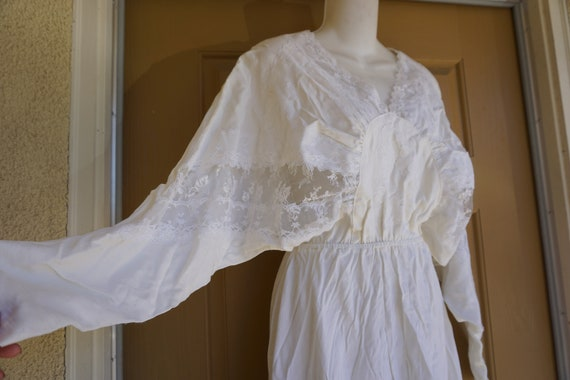 White lace batwing dress poofy lace sheer sleeve i