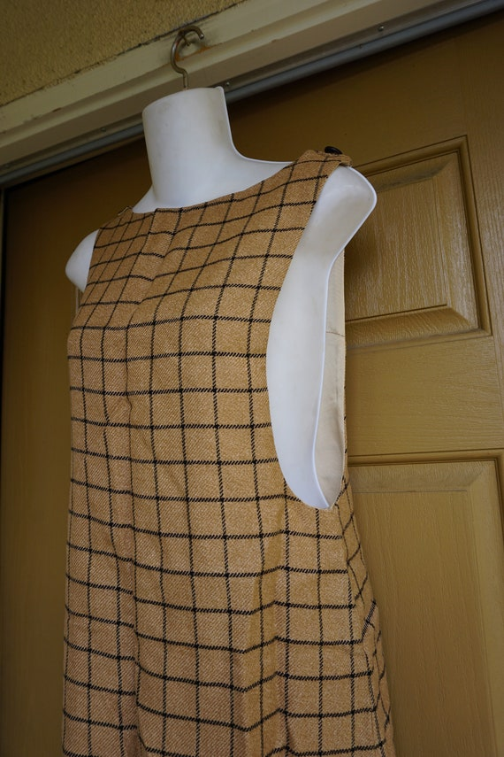 Vintage shortw wool dress apron style small pullov