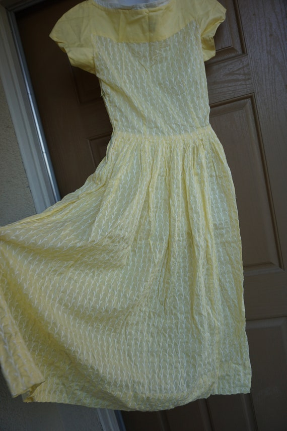 Vintage 1950s yellow day dress size Medium tall m… - image 8