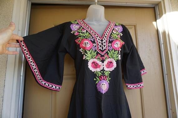 Vintage Embroidered Kaftan, Dress Maxi, Boho Hippi
