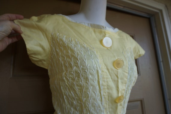 Vintage 1950s yellow day dress size Medium tall m… - image 3