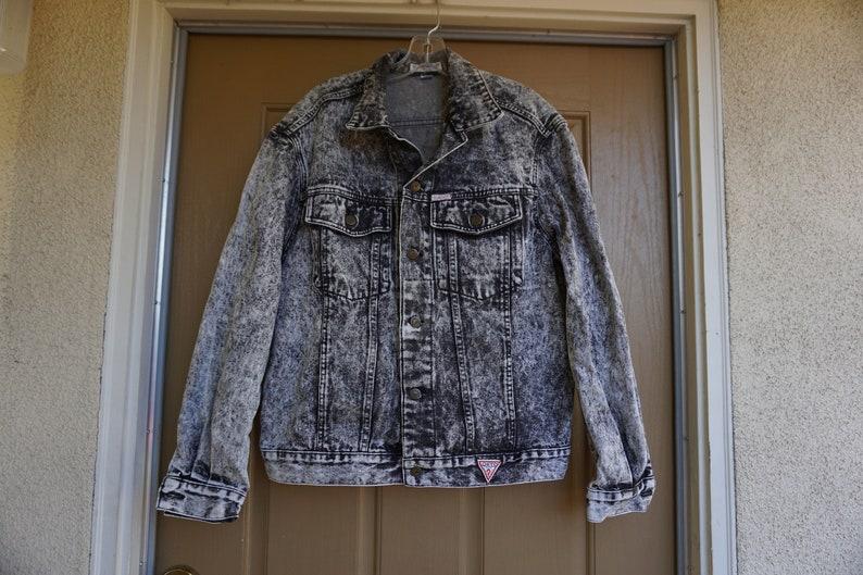size 40 5b082 a1281 Vintage anni 80 anni 90 Guess giacca di jeans di denim con triangolo logo  mens womens L grande acido lavare lavato grigio alto contrasto grigio