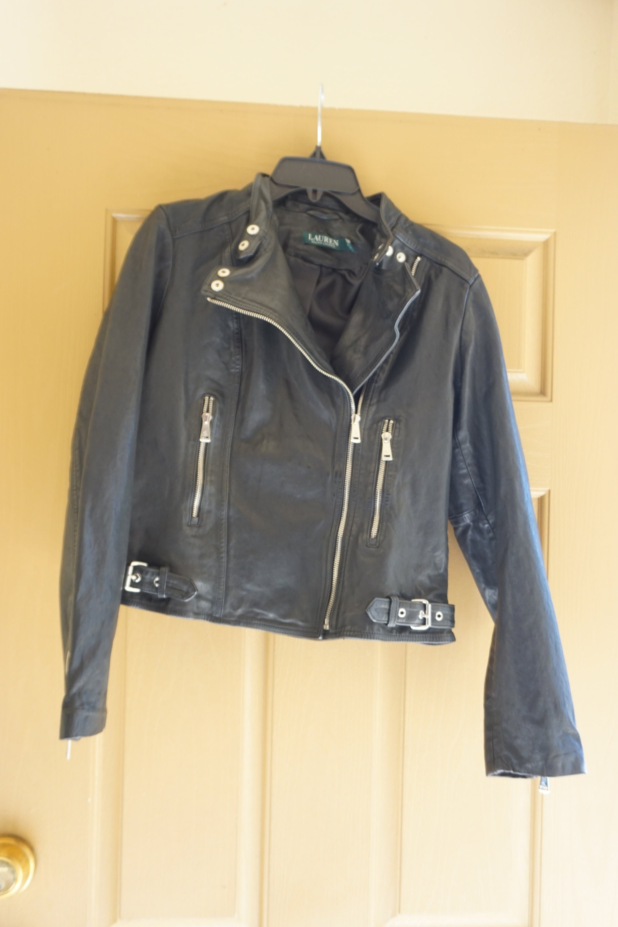 WOMANS~100/%~LEATHER~HALTER~CROP TOP~HARLEY RIDER~MOTORCYCLE~size~M~L~ACCESSORIE