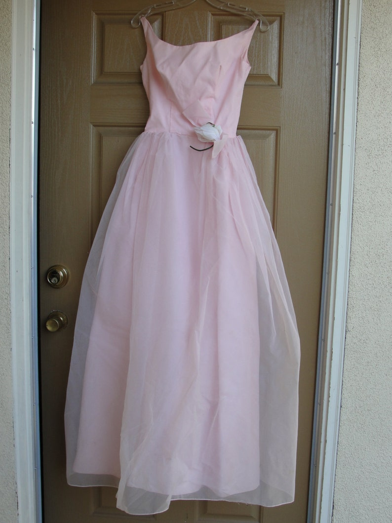 6508ea01e60 Vintage 1950s 1960s pastel pink prom dress gown with back