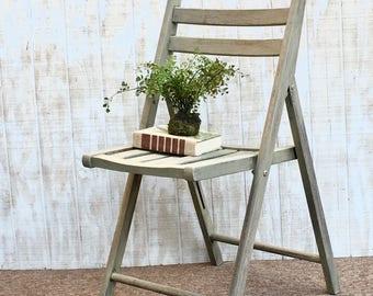 Beau Vintage Wood, Folding Chair, Antique Painted Gray Wood Folding  ChairPainted/ Distressed Wood Folding Chair