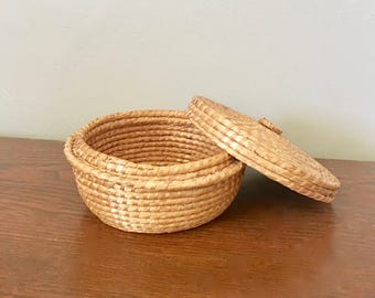 Vintage Boho Wicker Basket With Lid