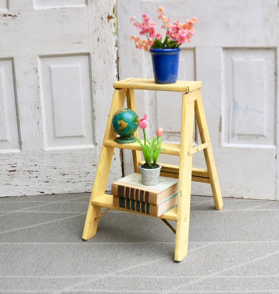 Awe Inspiring Vintage Wood Step Ladder Painted Wood Ladder Decorative Step Stool Plant Stand Vintage Step Stool Free Priority Shipping Creativecarmelina Interior Chair Design Creativecarmelinacom