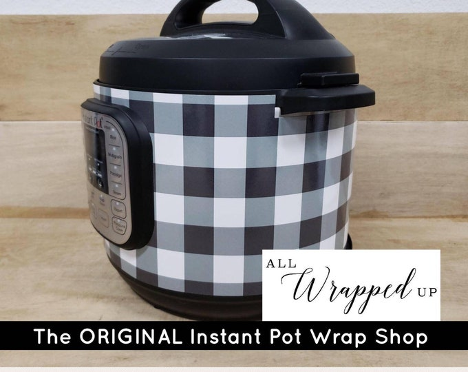 Instant Pot Wrap Large Black and White Buffalo Plaid. Removable water resistant All Wrapped Up IP magnetic closure