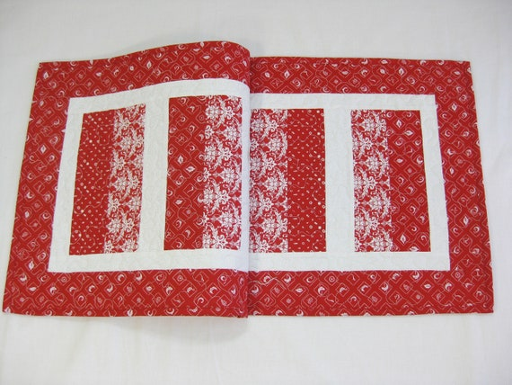 Red Table Runner, Red White Quilted Table Runner, Quilted Table Topper, Red  Quilted Table Runner