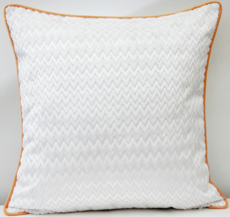 housse de coussin velours chevron blanc avec passepoil etsy. Black Bedroom Furniture Sets. Home Design Ideas