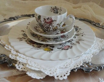 4 Piece Place Setting Johnson Brothers STAFFORDSHIRE BOUQUET