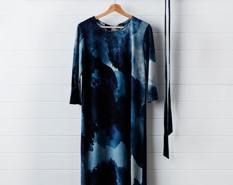 a8c7f4d21e Printed Winter Shift Dress - Midnight Ink
