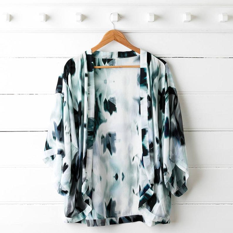 Printed Silk Kimono Top  Blur image 0