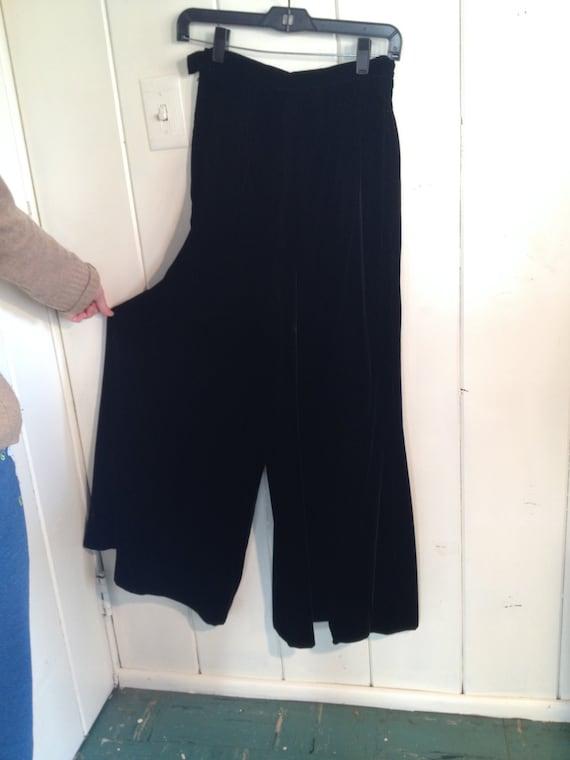 Late 70's Malbe Original Black Velvet Gauchos size