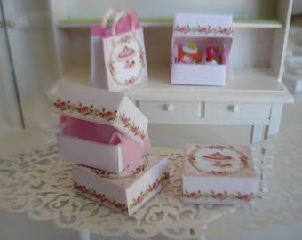 a pretty little cake box made of cardstock