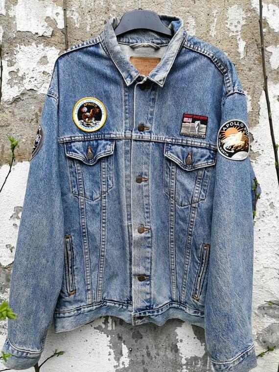 Vintage denim jacket Levi's patches size XL Blue