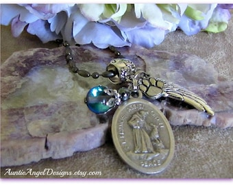 St. Francis Peace Prayer Necklace, St. Francis With Wolf, Christian Pet Lover Gift, St. Francis of Assisi, Vet Appreciation Gift, Dog Angel