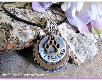 Personalized dog necklace, dog lover necklace, Gift for Dog Mom, Gift for Cat Mom, Stamped Paw Print Jewelry, Dog mom jewelry