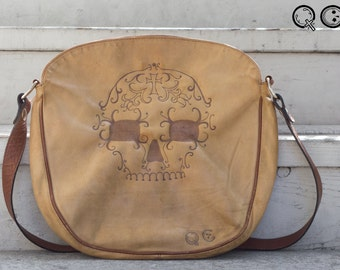 Large Leather Purse with Skull Design on side. -  Día de los Muertos - Day of the Dead
