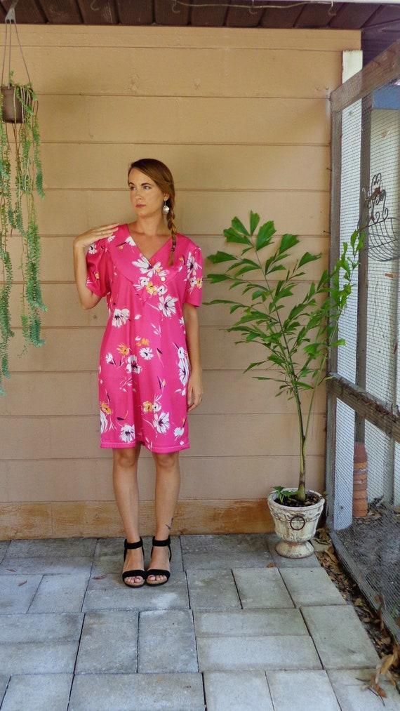 Vintage Floral Dress Hot Pink & White V Neck Shift Dress Large 1970's