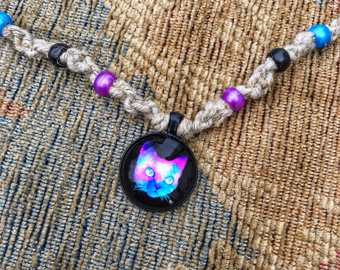 "21"" Psychedelic Cat Trippy Hemp Necklace"