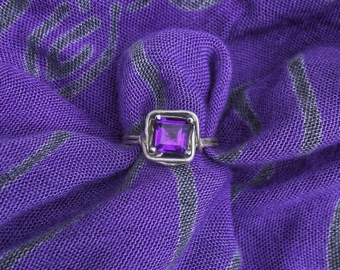 1 CT Amethyst Princess Cut Solitaire Ring in 925 Sterling Silver