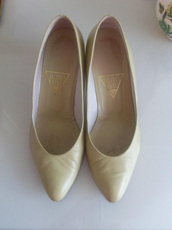 Vintage Ladies Leather Court Shoe, Jacques Vert, 8
