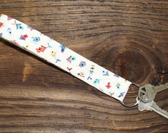 Key Fob - Bird and Birdhouse Quilted Wristlet