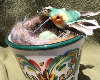 Colorful FELTED NEST MUG with Green Humming Bird Inspecting her Green Eggs, Gorgeous Needle Felted Nest, Bizzirri Mug made in Italy
