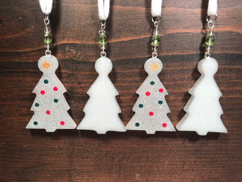 Silver and White Christmas Tree Ornaments  Set of 2  Resin image 0