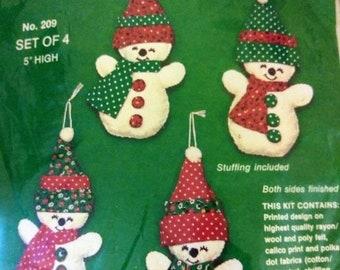 Vintage Titan Holiday Mice Felt Applique Ornaments Kit Makes 4