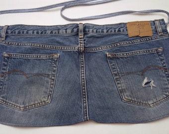Distressed Blue Jean Apron / Recycled Blue Jean Apron / Denim Bar Apron / Short Denim Apron