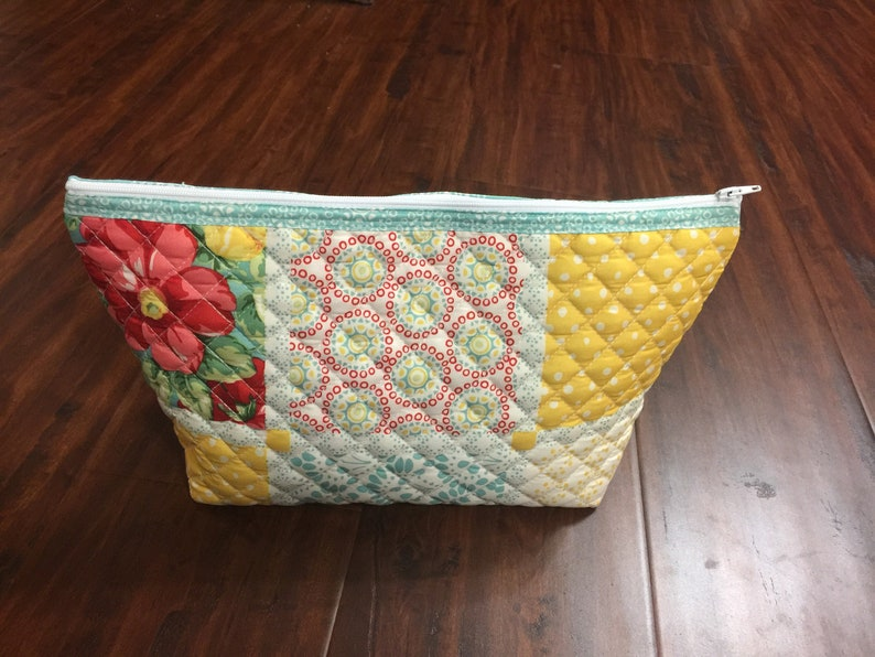 Quilted Zipper Pouches!